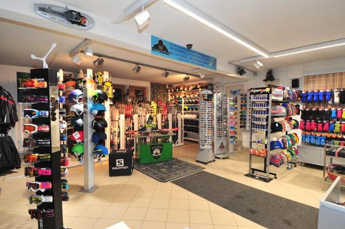Noleggio Sci e Snowboard San Rocco