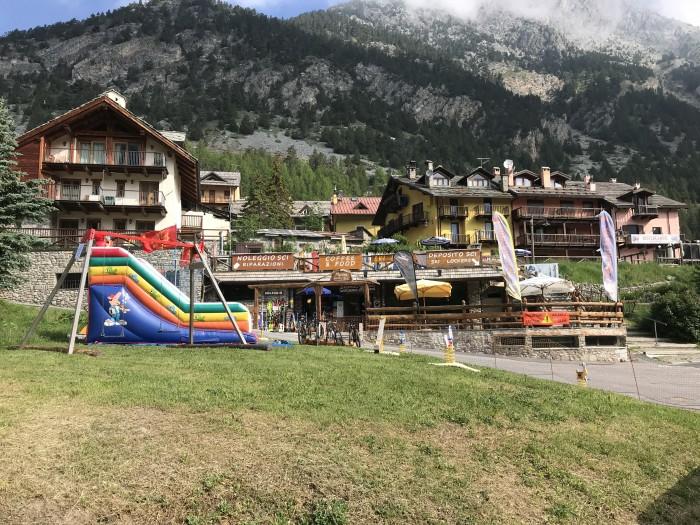 Ski Lodge 2